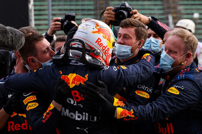 Verstappen wins chaotic Imola classic
