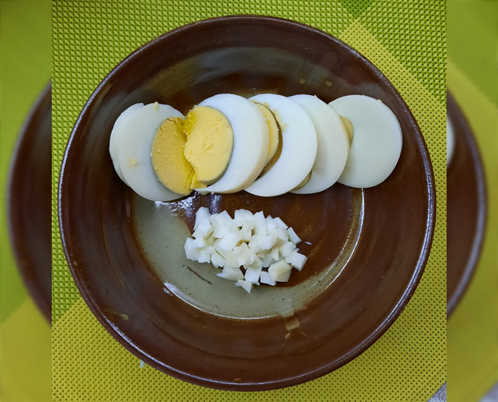 Eggs for a healthy cat