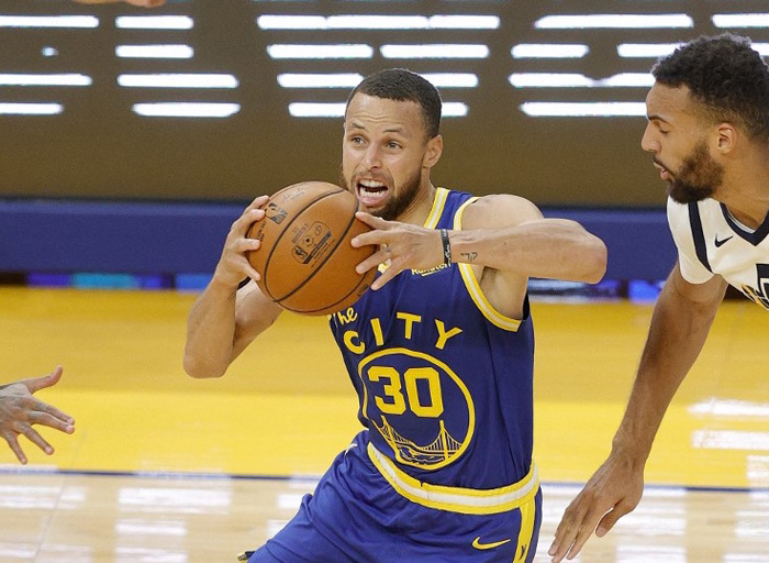 Curry claims scoring title; Dubs win 6th straight